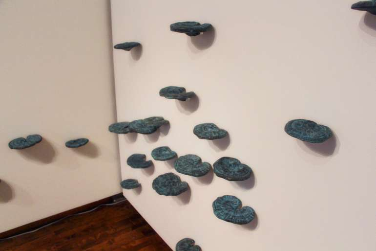 Xiaojing Yan, Lingzhi, 2014, cast bronze, dimension variable (Installation View)